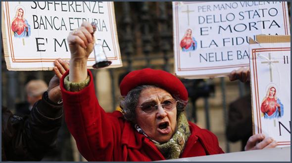 """""""Dans la dernière crise de la Zone euro, l'Italie est déchirée entre épargner les banques ou son peuple"""""""