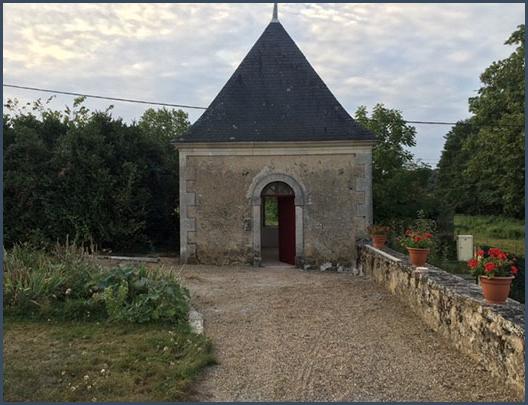 La chapelle de la propriété, dans le Poitou