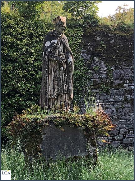 Bill découvre une statue oubliée