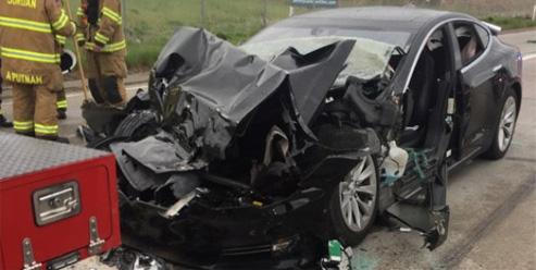 Accident d'une Tesla